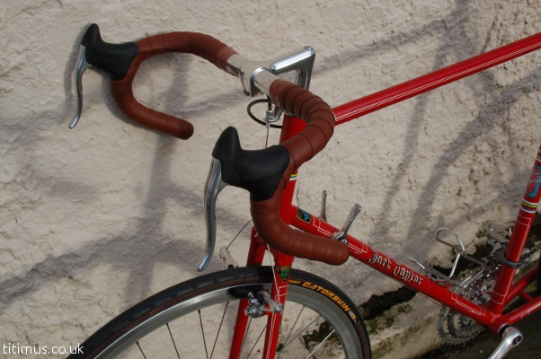 Cinelli Handlebars Charge Spoon Tape Ultegra R600 Brake Levers